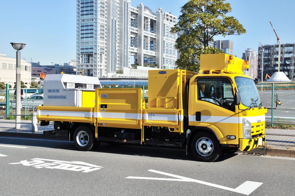 道路標示工事に安全とエコと「発電式メルトニーダー」