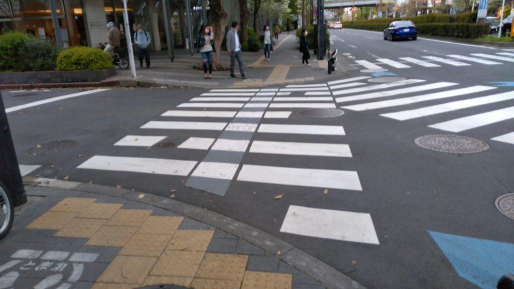 横断歩道の摩耗を調査「ゼブラビューアー」